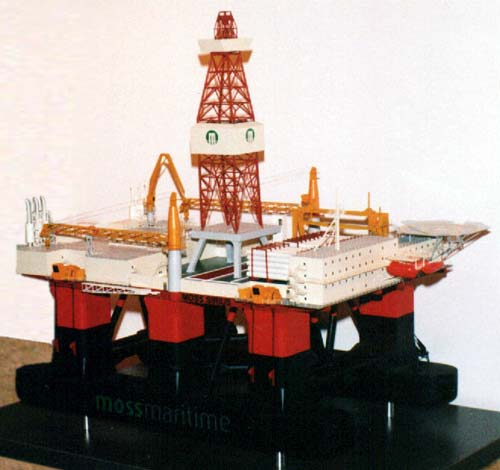 Scale model of offshore unit CS-50M Sirius, view on starboard