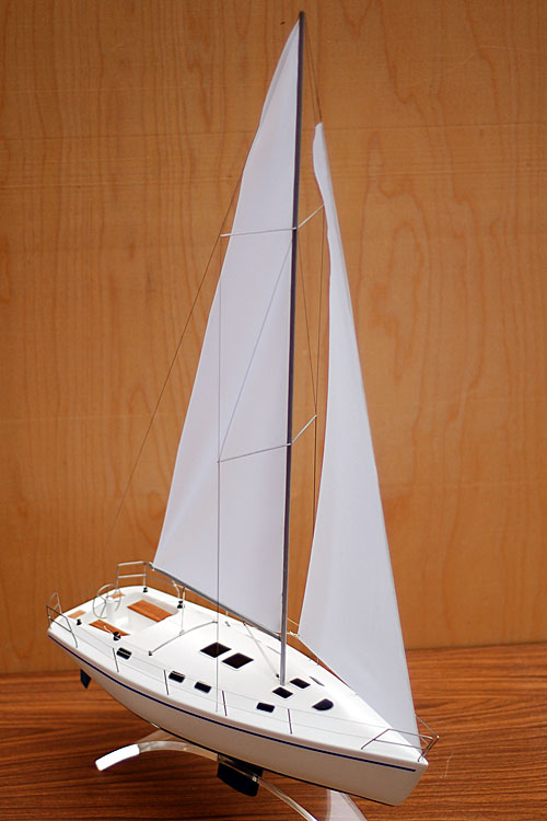 Scale model of sailing yacht Dufour-43