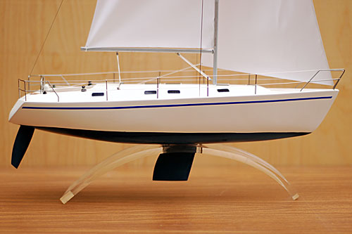 Scale model of sailing yacht Dufour-43, view on starboard